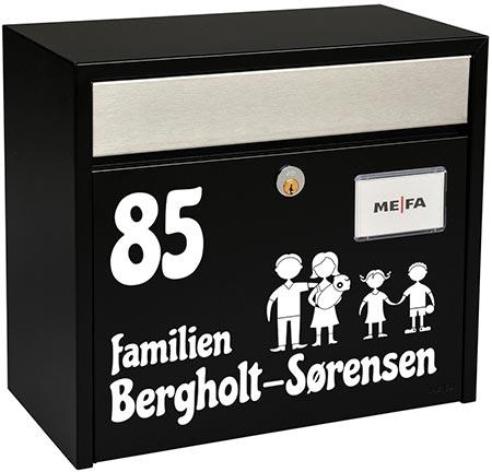 Se vores udvalg af selvklæbende tal og bogstaver i folie til at sætte på fx din postkasse - stickers i hvid og sort