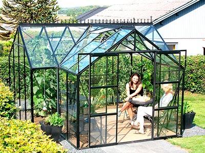 Forlæng havesæsonen med et orangeri og få et ekstra samlingspunkt for familien