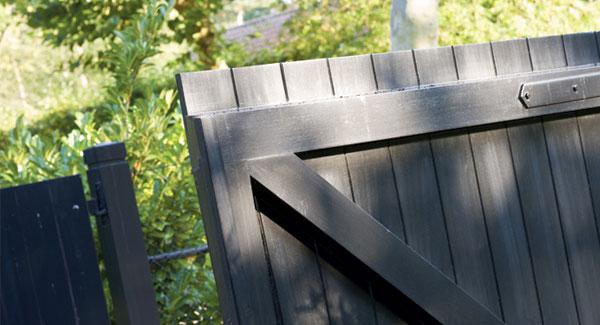træbeskyttelse til udendørs  i hvid, sort, grå, grøn, ral 9010, svenskrød eller transparent